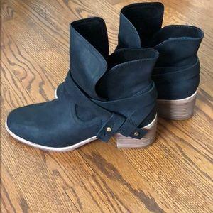 UGG boots sz9